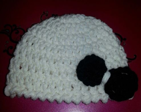 Crochet newborn hat with bow by Crochet-by-Clarissa