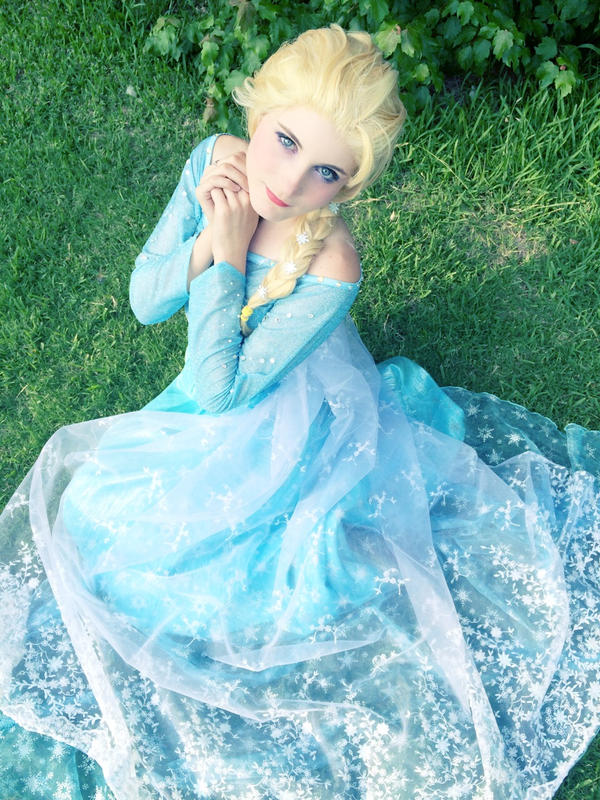 Elsa  Melt The Winter With Love by Sasurealian