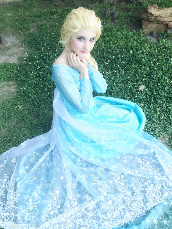 Elsa  What Happens In Spring by Sasurealian