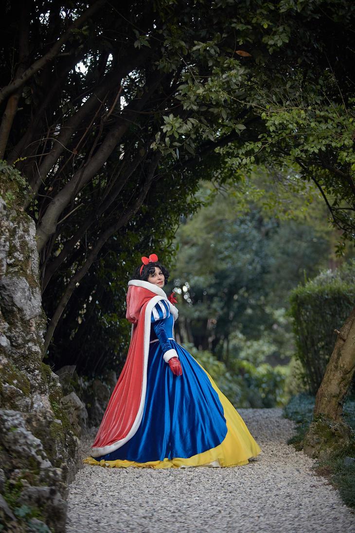 Winter Snow White by falketta
