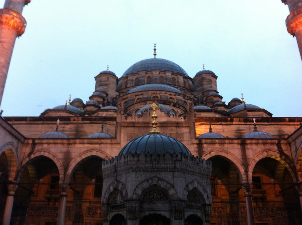 Sultanahmet Mosque by joyhorse13