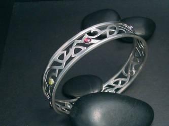 tribal bracelet by tinkerSue
