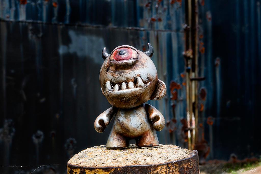 Ox-Eye Munny no2 by InWineThereIsTruth