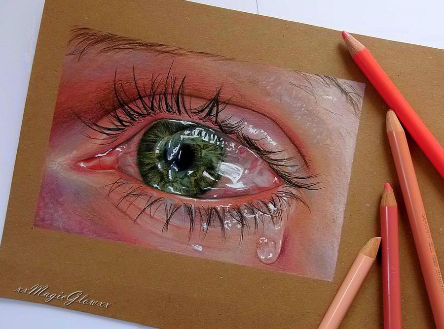 Tearful eye by xxMagicGlowxx