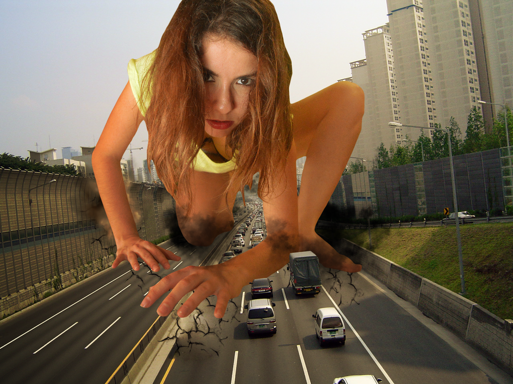 Giantess Arizilla Crawls in Traffic by dochamps