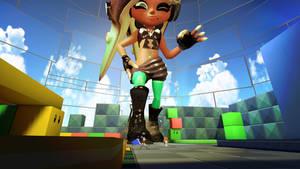 Giantess Marina Domination the Turf