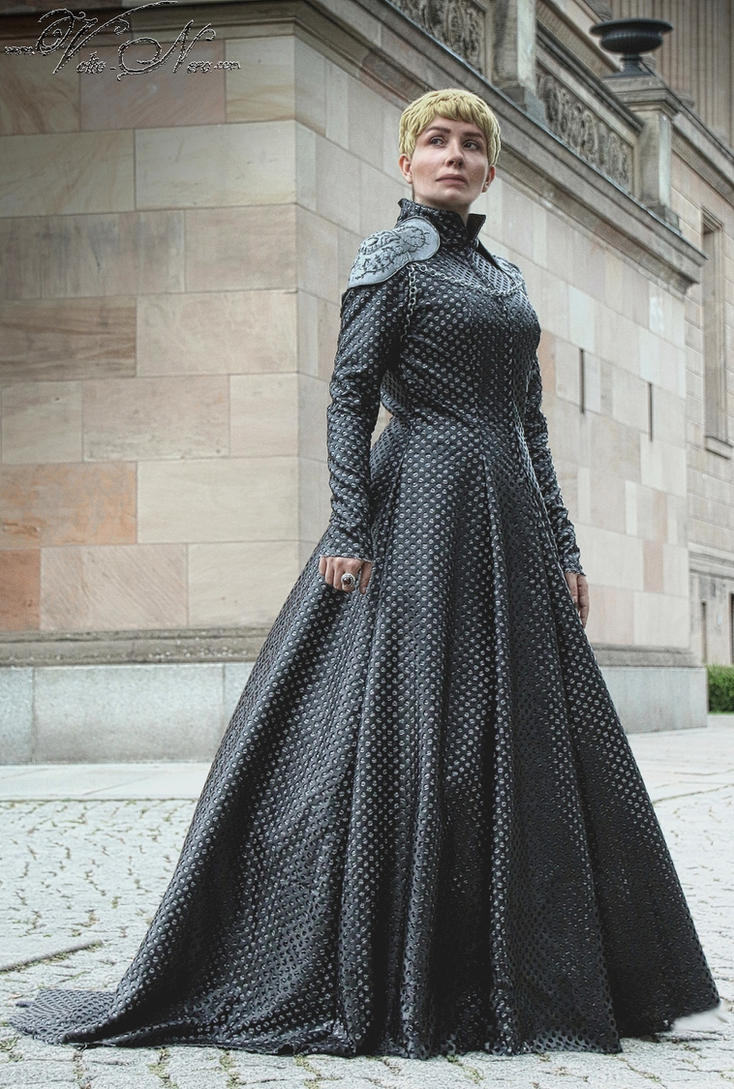 Queen Cersei gown Game...