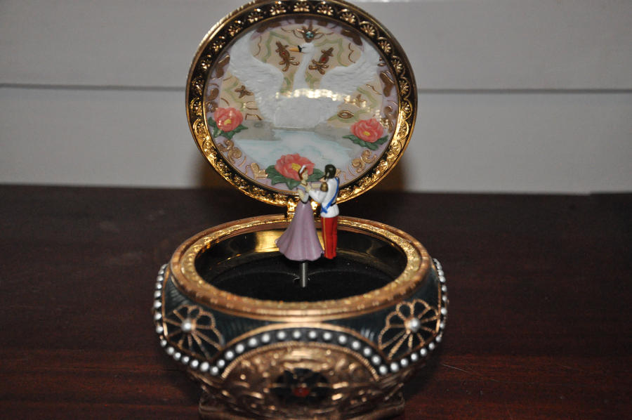 Anastasia music box by ShadowedStar18 on DeviantArt