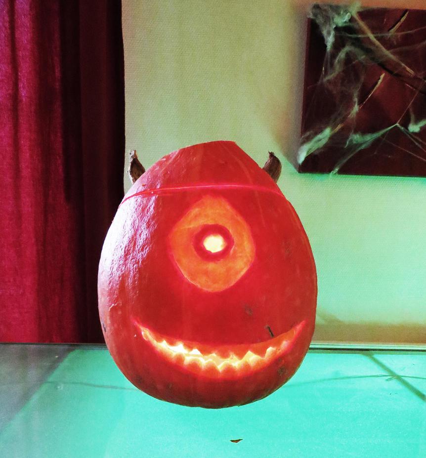 Bob razowski pumpkin by donnielegland