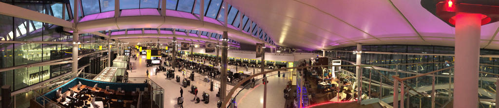 Heathrow Terminal 2 - Check in by mlpbronypony