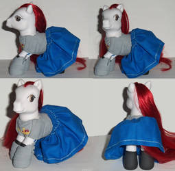 My Little Pony Custom Erza Scarlet Fairy Tail by Ember-lacewing