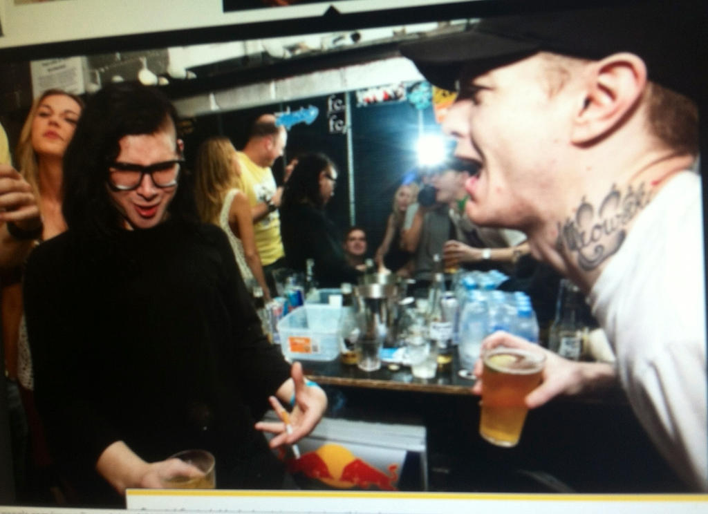 Skrillex and Deadmau5 burping by PeaceOnMars1206 on DeviantArt