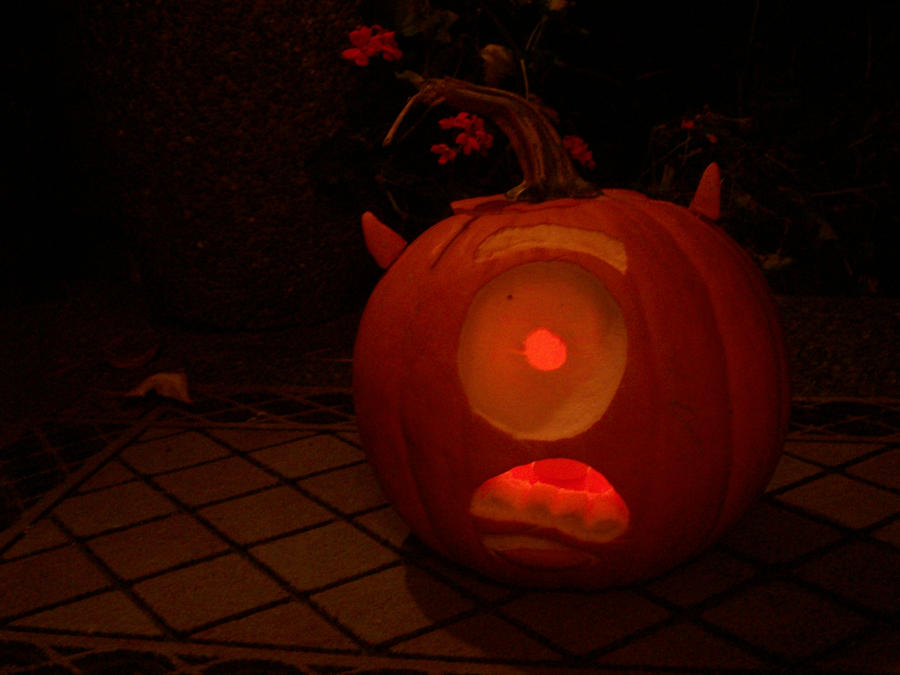 Monsters Inc Pumpkin Carving - 2018 images & pictures - Sully ...