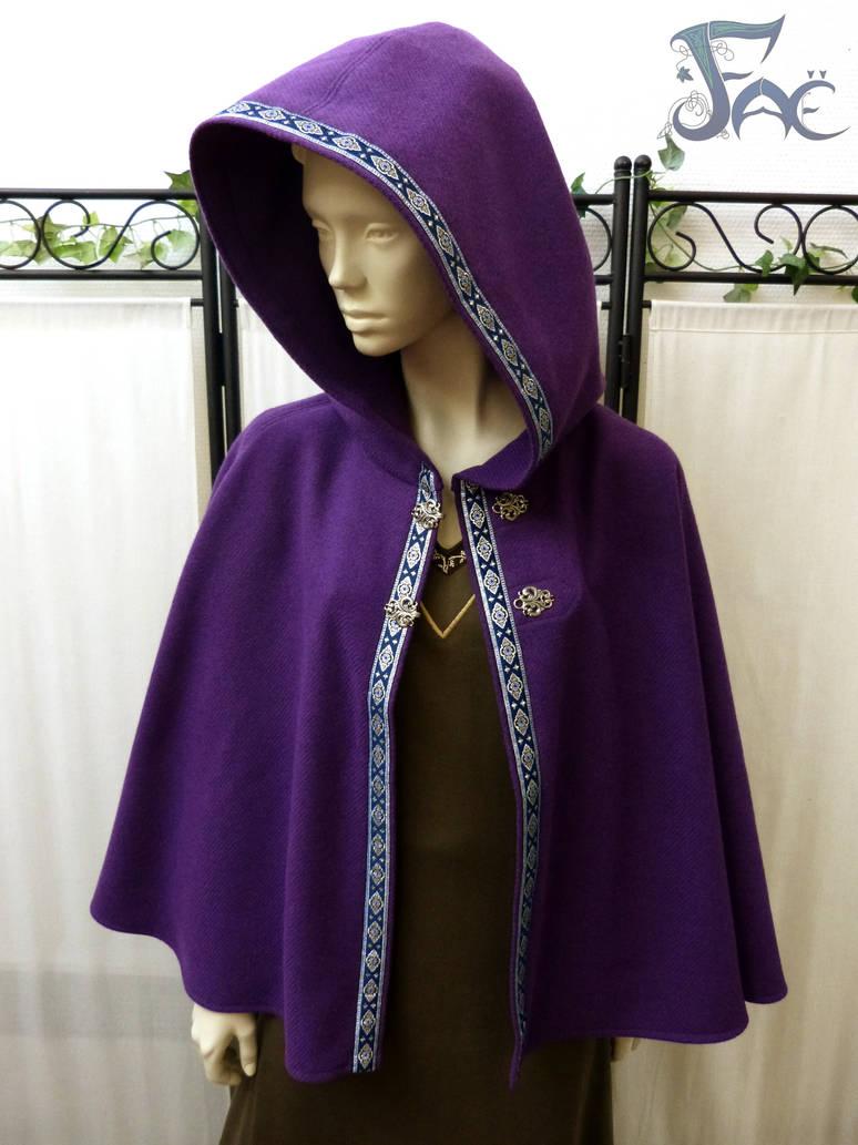 Purple wool short cloak by Herilome