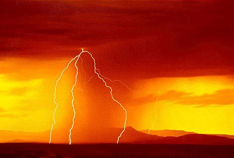 Sunset Lightning by mi-alo-hem-va