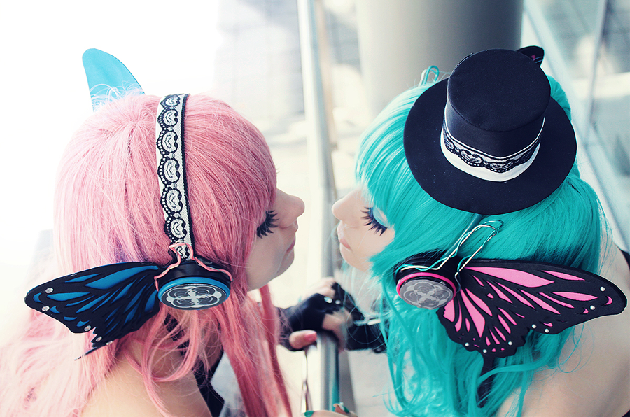Luka Megurine and Miku Hatsune - want you to kiss. by ... Megurine Luka Cosplay Magnet