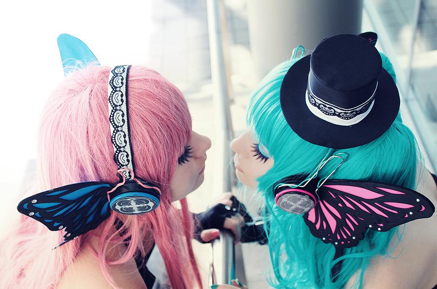 luka megurine and miku hatsune want you to kiss by