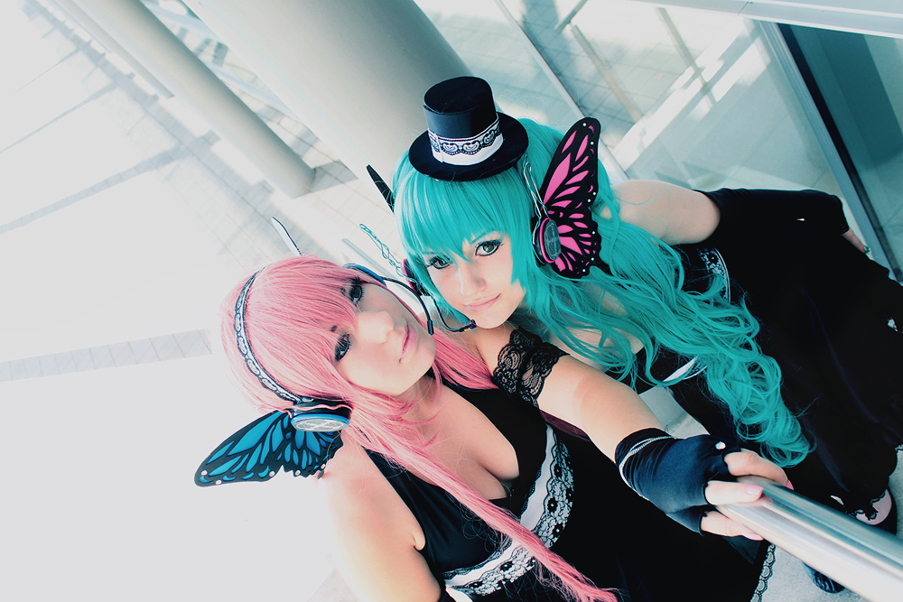 Luka Megurine and Miku Hatsune - as dawn breaks. by Mizukishou