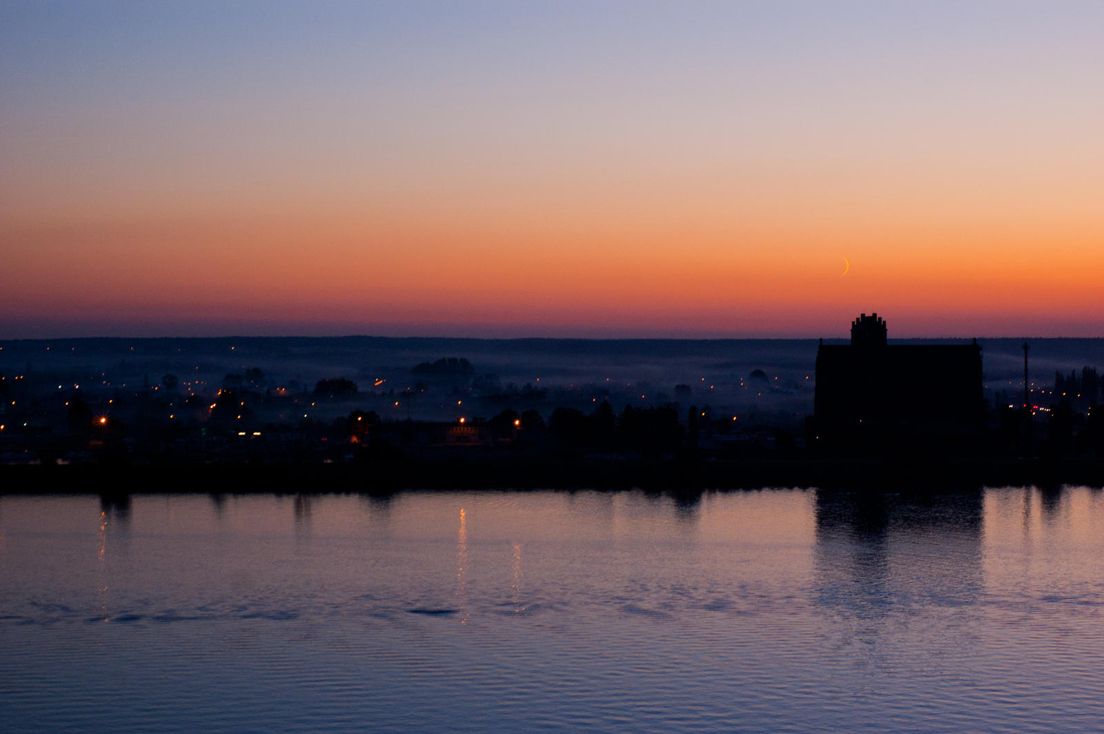 Foggy Sunset by Domichal