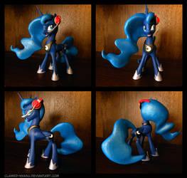 Gamer Luna 3D Printed Figure by Clawed-Nyasu