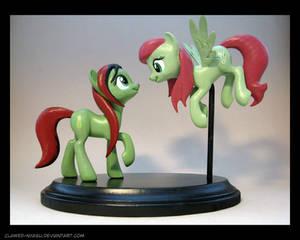Rutana + Featherflight 3D-Printed Figures