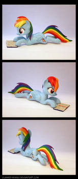 Reading Rainbow Dash 3D Printed Figure