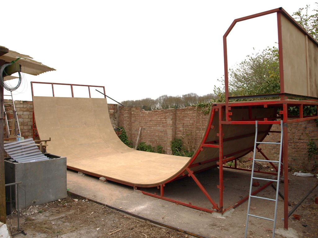 9ft half pipe by crash fm on deviantart