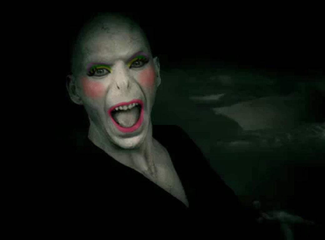 Voldemort does Mardi Gras by goofpoof909 on DeviantArt