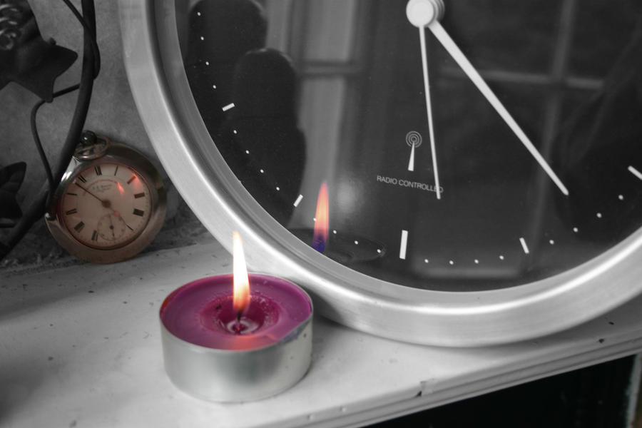 Plamen  svece - Page 2 Burning_time_by_minxymanx-d4b95zd