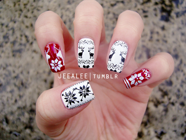 Winter Moose Nails by jeealee