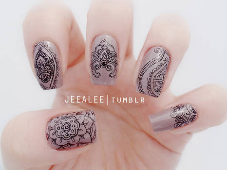 Paisley Nails