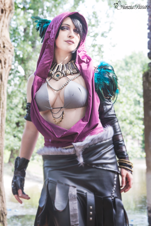 age cosplay nude morrigan Dragon