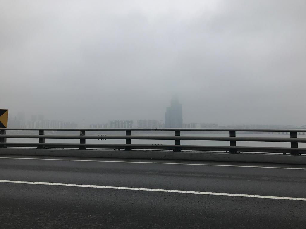 foggy_skyline_by_sh20000sh_ddmedvp-fullv