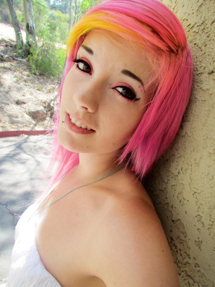Leda- Pink Hair by LedaMonsterBunnyLove on DeviantArt