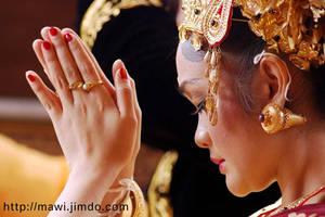 Balinese Bride by mawi--bule