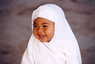 Little Muslim Girl by mawi--bule