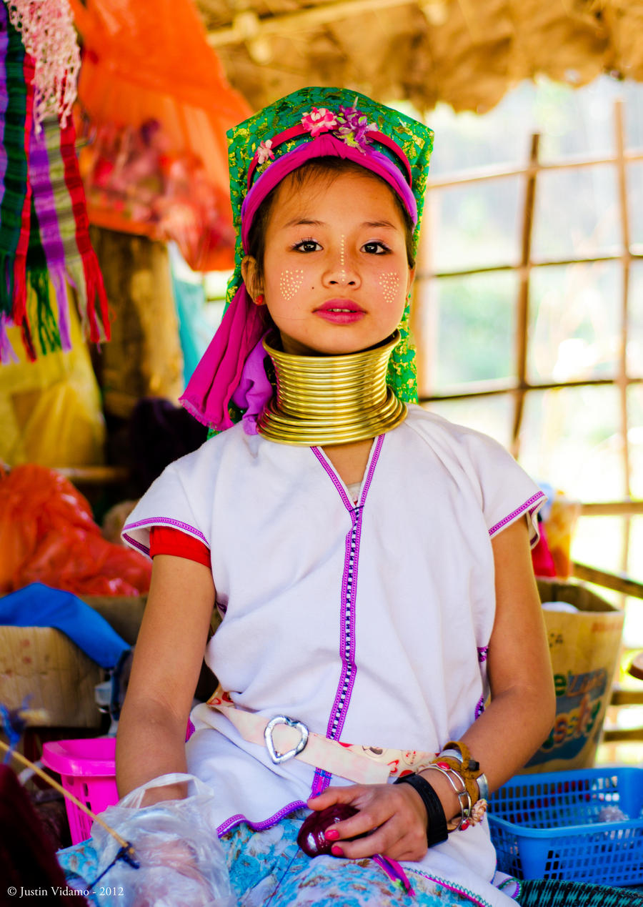 A young lady from the Karen Long-Neck Tribe by =CobaltKajun