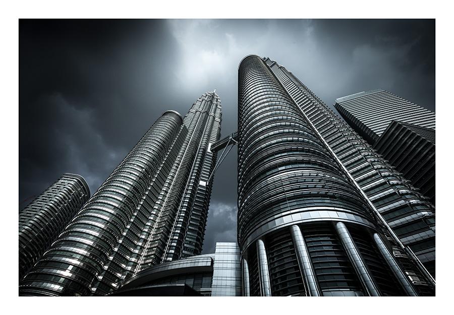 Dark Gotham by GVA
