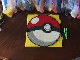 Big Pokeball Perler Bead Sprite by jnjfranklin