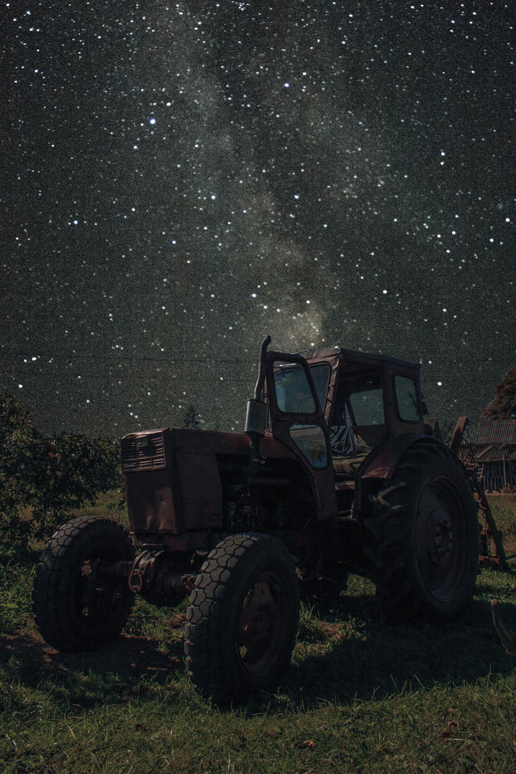 Old Tractor under Milky Way by sparco2