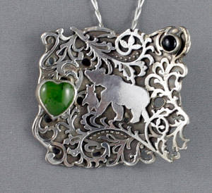 Bear and its cub pendant