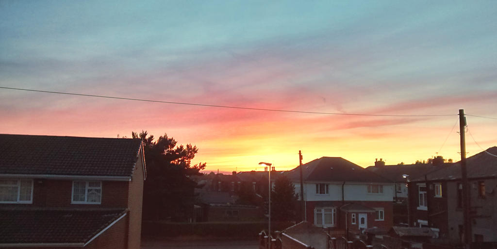 Suburban Sunset by inazar