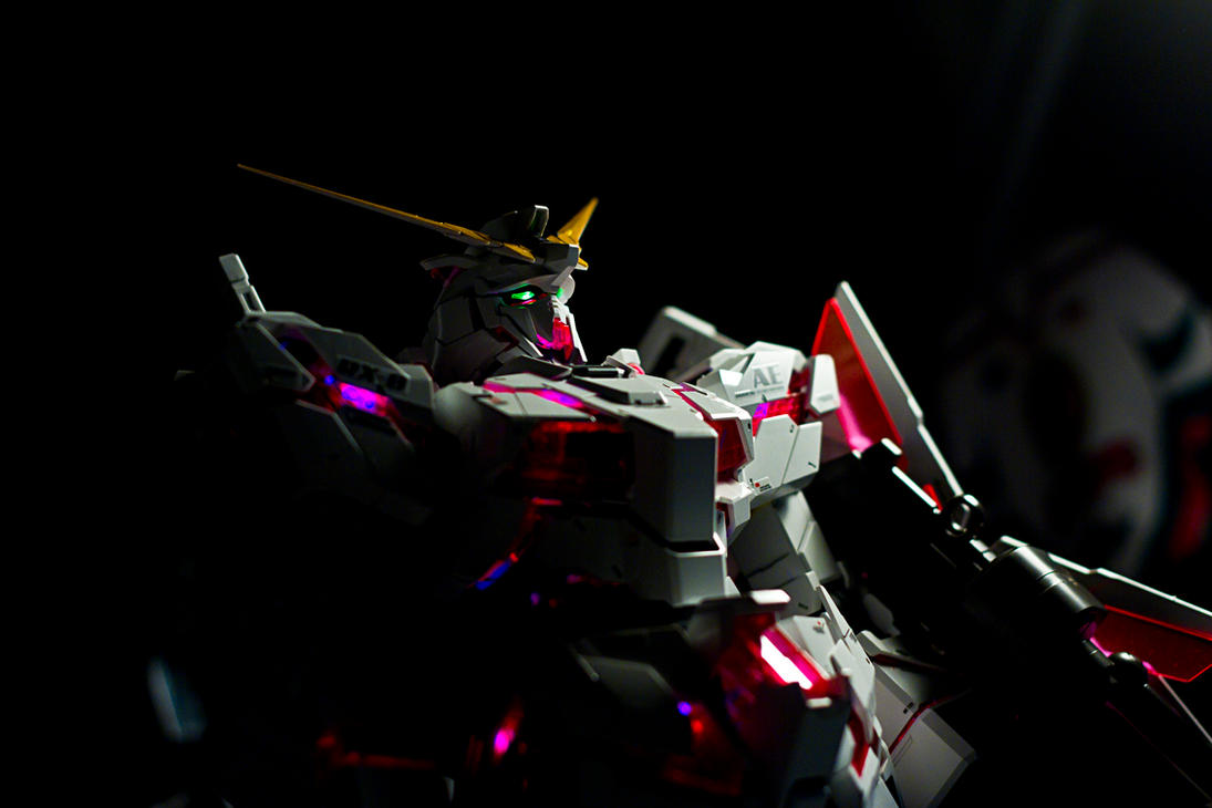PG 1/60 RX-0 Unicorn Gundam by aryss-skahara