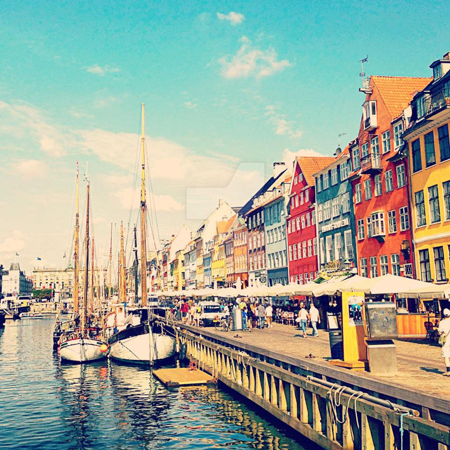 Canals in Copenhagen by ericvarney
