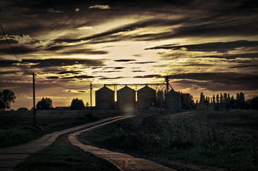 Farm track HDR by limejuice74