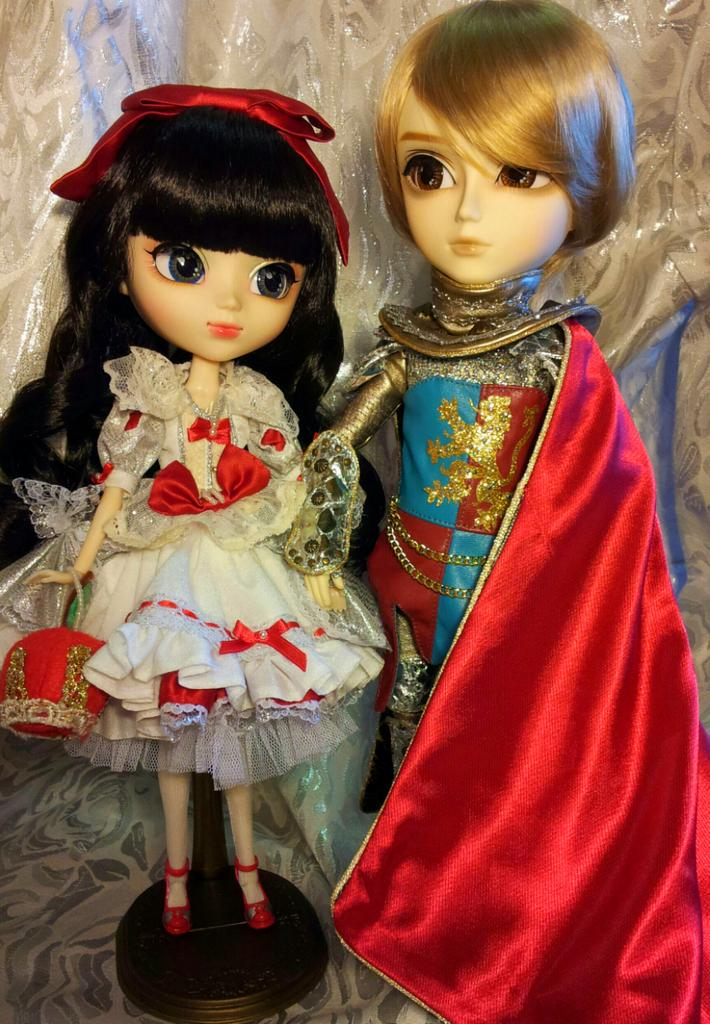 Prince Florian and his beloved Snow White *_* by Kit2000andAnna