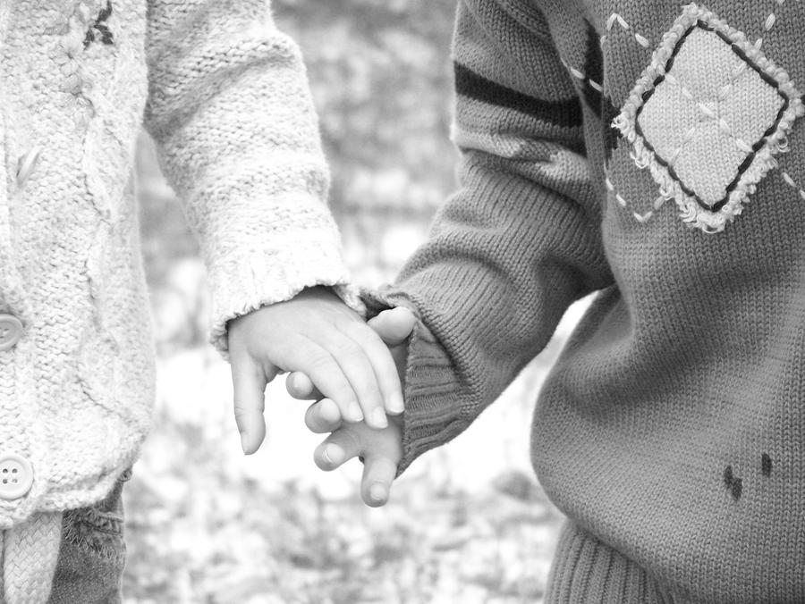 holding hands black and white by michellybelly124 on ...