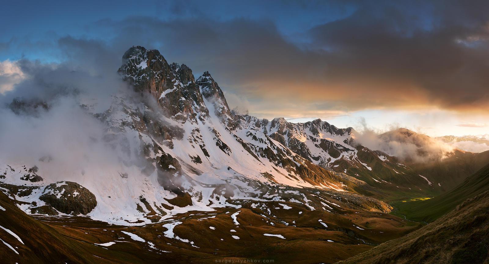 Chaukhi Valley by Sergey-Ryzhkov