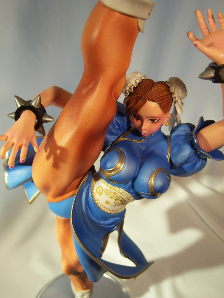 Chun-Li High kick 3 by Shoko-Cosplay