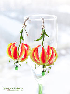 Earrings 'Gloriosa Lily' - Polymer Clay Flowers by SaisonRomantique